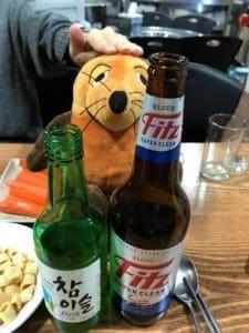 04.maus-trinkt-soju-und-bier